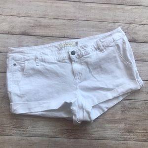 NWT Torrid White Flip/Fray Denim Shorts Sz 20